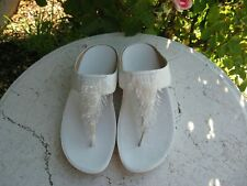 Fitflop  Women's size 9 white bling  Thong Comfort Sandals very nice!