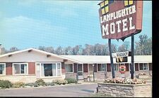 MARQUETTE,MICHIGAN-LAMPLIGHTER MOTEL-US41 & M28-FRED&EM KLUMB-(MICH-M#2*)