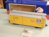 RO/USA Trains American Series G Scale 95746 UNION PACIFIC BOX CAR YELLOW 1367