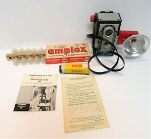VINTAGE IMPERIAL REFLEX CAMERA DUO LENS 620 WITH FLASH, BULBS, FILM AND MORE!