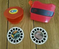 Red 3D View-Master with 2 reels (slides) - In good shape.