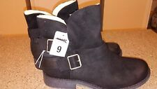 Mossimo Supply Co Ankle Boots Black Buckles Faux Fur Lined Womens Size 9