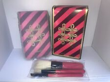 MAC NUTCRACKER SWEET ESSENTIAL BRUSH KIT W/POUCH  4 PIECE BRUSHES