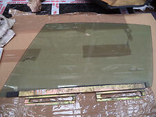 PORSCHE 911 COUPE EARLY N/S PASSENGER SIDE DOOR GLASS WITH RUNNER