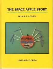 """SIGNED """"THE SPACE APPLE STORY"""" CHILDREN'S TRIBUTE TO CHALLENGER ASTRONAUTS  VGC"""