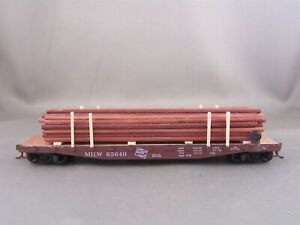 Athearn - Milwaukee Road - 50' Flat Car w/Utility Pole Load # 65640