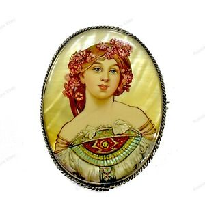 RUSSIAN FEDOSKINO BROOCH MOTHER OF PEARL METAL HAND PAINTED MINIATURE PORTRAIT