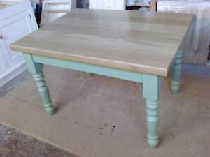 """BESPOKE HANDMADE OAK TABLE - DINING / KITCHEN 1 3/4"""" THICK TOP"""