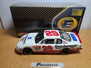 2001 Kevin Harvick #29 GM Goodwrench / Make A Wish 1:24 NASCAR Action Elite MIB