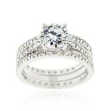 Runde Ringe für die Verlobung mit Edelsteinen