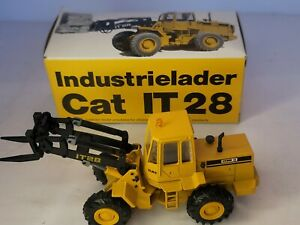 Conrad CAT IT28 Integrated Tool Carrier 1:50 Scale Germany