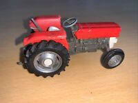 Vintage Early Britains Farm Massey Ferguson MF 135 Red Tractor Model 9520 1973