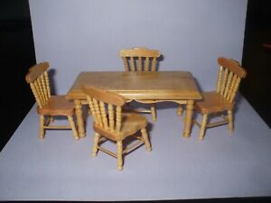 Dolls House Miniatures 1 : 16th Scale  5 Piece  Kitchen  Table Set in Pine