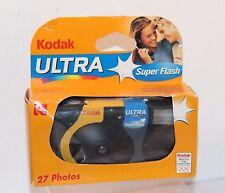 "KODAK ULTRA "" SUPER FLASH "" SINGLE USE CAMERA , Dated 2002 . ( 27exp )"