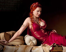 Lucy Lawless UNSIGNED photo - G1205 - Spartacus