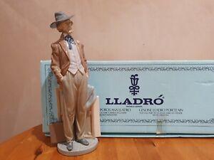 "Lladro ""TRAVELLING ARTIST"" - 5661 - BOXED"