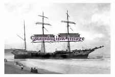 rs0098 - French Sailing Ship - Vincennes aground Sydney 1906 - photograph