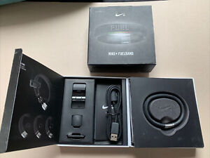Nike+ Fuel Band | NEW | Size M/L | Calorie and Step Tracker