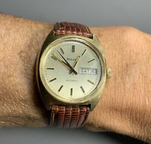 Attractive Bulova~Vintage Automatic Men's Wristwatch Day/Date~Running Well 36mm