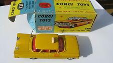 CORGI 221 CHEVROLET NEW YORK TAXI ORIGINAL voiture & boîte très bon état.