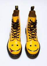 Dr Doc Martens Boots Hincky Smiley Face Winky Emoticon Yellow EU 41 US 9 9.5 10
