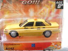 """CARRERA GO 61142 Ford Crown """"taxi"""" Luz EE.UU."""