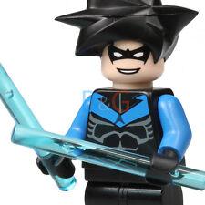 LEGO Nightwing Minifigure w/ weapon from Arkham Asylum 7785 - Rare