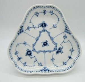 ROYAL COPENHAGEN BLUE FLUTED TRIANGLE SHAPED BOWL TRAY PLATE SERVING PIECE 1/515