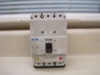 Eaton Moeller NZM N1-A32-NA Circuit Breaker 690VAC 3P Used Free Shipping