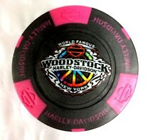 HARLEY-DAVIDSON WORLD FAMOUS WOODSTOCK(NY) POKER CHIP - BLACK W/HOT PINK