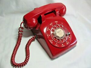 Vintage Bright Red Bell System Western Electric Rotary Dial Desk Telephone 500