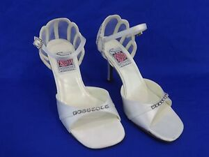 NEW Special Occasions by Saugus Shoe EMMY - 49075 White Silk Size: 5 B