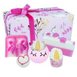 Bomb Cosmetics Luxury Gift Wrapped Bath Bomb Natural Gift Body Pamper Set