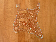 PICKGUARD GOLD PEARLOID 4 PLY FOR STRATOCASTER