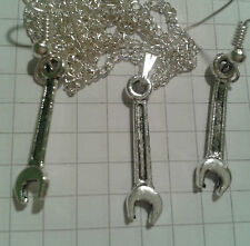 "TIBETAN SILVER SET SPANNERS  PENDANT+1PR EARRINGS+18""or20""or22""NECKLACE"