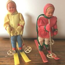 2 Skieurs miniatures Vintage/ Couple Of Vintage Skiing miniature dolls