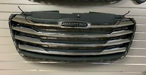 Freightliner Sprinter Front Grille Complete Assembly With Chrome A91088055009K83