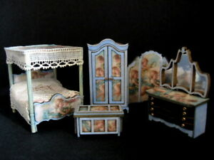 Exquisite 1/48th 1:48 quarter scale doll house bedroom set  by Celia Mayfield