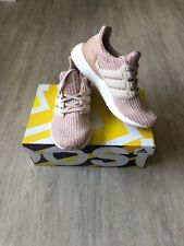Adidas Women Ultra Boost 4.0 - SIZE 7 - Ash Pearl / Linen / Clear Orange