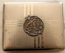 TRES RARE PORTE CIGARETTES à l'effigie de LOURDES en métal argenté Objet excepti