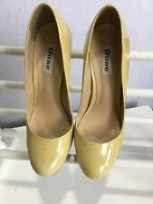 ladies high heel shoes by Dune Size 51/2 in pale yellow