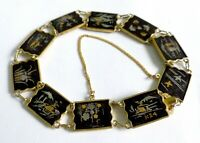 A VINTAGE 1950s GOLD PLATED SHAKUDO BRACELET INLAID WITH 24K JAPANESE SCENES