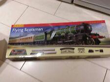 HORNBY R1072 FLYING SCOTSMAN TRAIN SET OO GAUGE