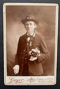 c1885 Cabinet Card Civil War Veteran GAR Hat & Medal Studio Portrait