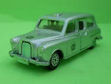 DINKY TOYS AUSTIN TAXI CAB SILVER JUBILEE 1/43  - GOOD CONDITION -
