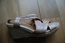 Pale Pink / Blush CLARKS ARTISAN Open Toe Strappy Ankle Strap Wedges 9.5 M