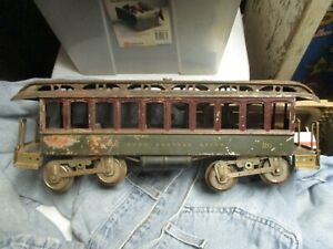 Hard To Find Early #29 Lionel Day Coach WIth Embossed  LIONEL MFG CORP NY Floor