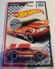 Hot Wheels 2017 Racing Circuit '92 Ford Mustang