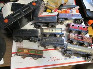 LOT OF PRE WAR O GAUGE LIONEL AND MARX TRAIN CARS