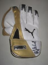 Adam Gilchrist (Australia) signed Puma Wicketkeeping Glove (White/Gold) + COA